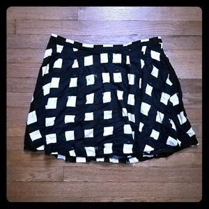 GAP black and white skirt